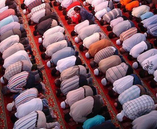 jum'atan adalah kewajiban setiap muslim laki-laki